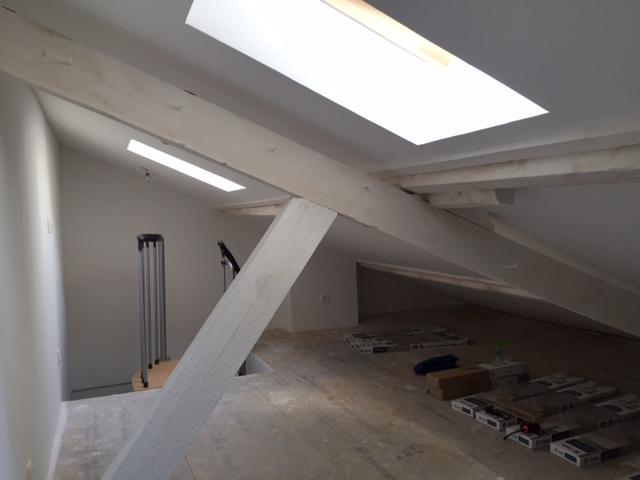 am nagement de combles dans un studio paris 75013 de 28 m2. Black Bedroom Furniture Sets. Home Design Ideas